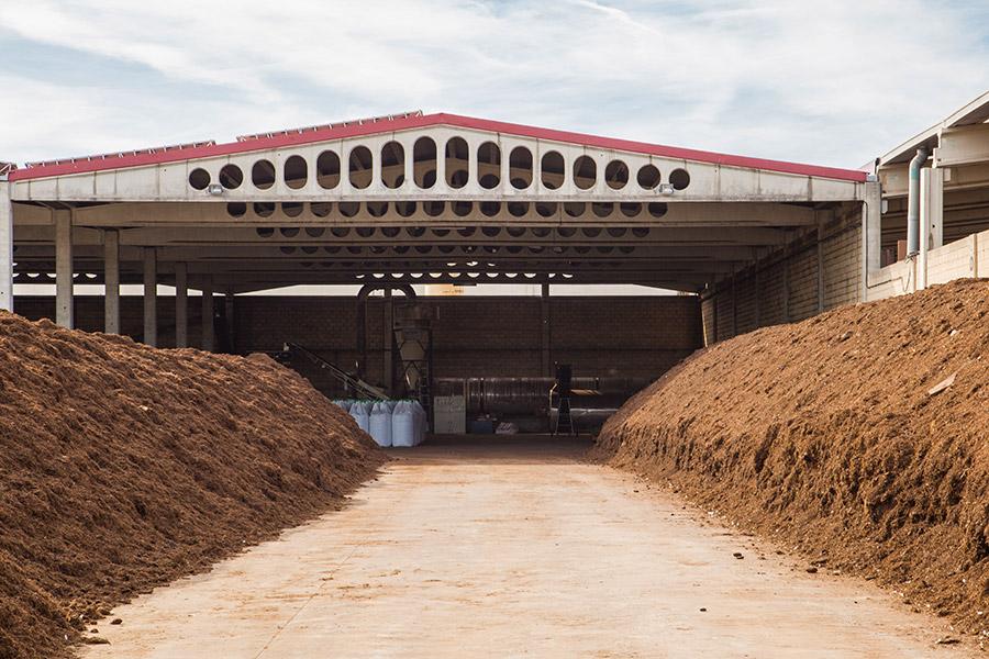redondo-izal-abono-compost-organico-empresa-instalaciones-06